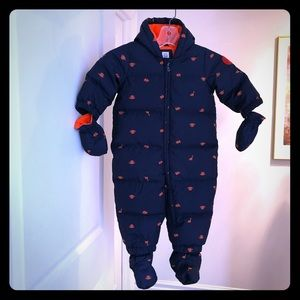 Snowsuit with detachable gloves and booties